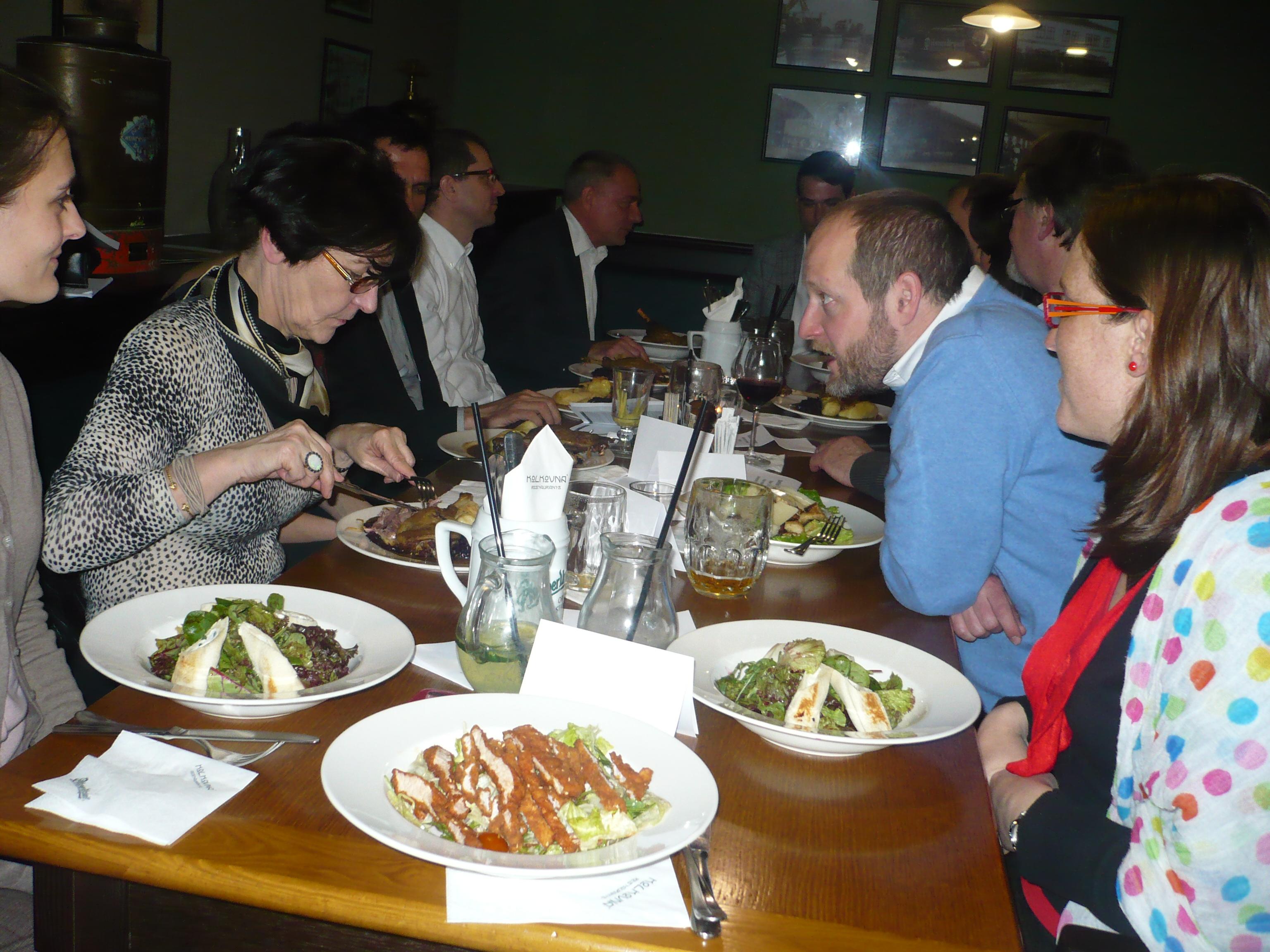 Absolventi povečeřeli s dijonskou delegací